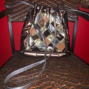 Vintage Bags - Vintage leather quilted design bucket bag